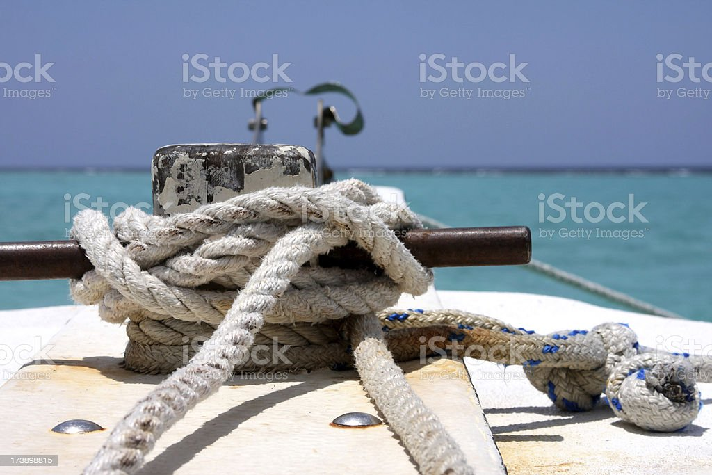 Rope Cleat on a boat royalty free stockfoto