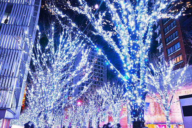 roppongi keiryozaka christmas illumination - weihnachten japan stock-fotos und bilder