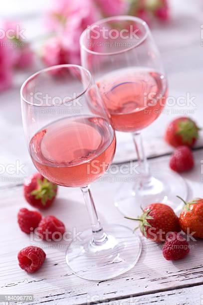 Ros and summer fruit picture id184096770?b=1&k=6&m=184096770&s=612x612&h=xn4f2zz9xbr iemeuftfl goha1xz7gjwwtifwsppsy=