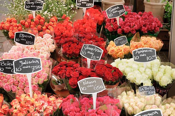 rose bouquets für den verkauf - günstig nach amsterdam stock-fotos und bilder