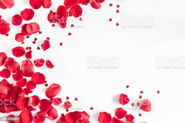 Rose flowers confetti valentines day background flat lay top view picture id902936882?b=1&k=6&m=902936882&s=612x612&h=45kumzvwg6g3gk0mqoezjbnpzzjignr3y e vkkaudi=