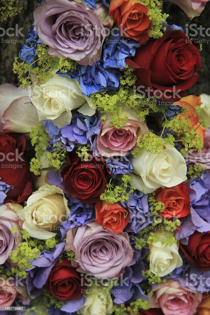Roses and hydrangea wedding arrangement royalty-free stock photo