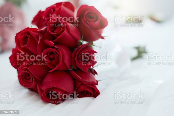 Roses are red and love is forever picture id694058752?b=1&k=6&m=694058752&s=612x612&h=zqzqwzq8xzbufgsruc9cj0d5pf5tcnflyfnhyt hp00=