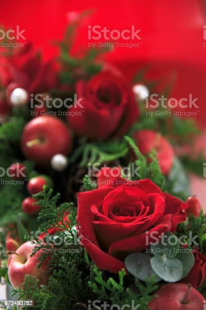 Roses christmas image picture id673493782?b=1&k=6&m=673493782&s=612x612&h=yikgeb y0htvltc4vwd3kj lquxgsnpcdm2obuhdnii=