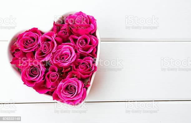 Roses in a heartshaped bowl picture id626333148?b=1&k=6&m=626333148&s=612x612&h=lgtb3tqcnkyrkel5oe1xmtbqjzloetgvkqwmss9udta=
