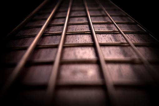 Rosewood Bass Guitar Fret Board And Strings — стоковые фотографии и другие картинки Абстрактный