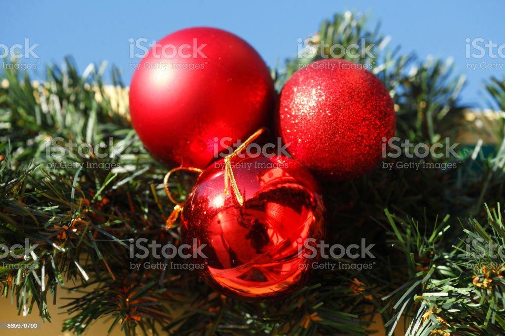 Dunkelrote Christbaumkugeln.Dunkelrote Christbaumkugeln