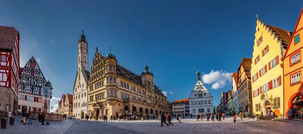 rothenburg stadhuis ob der tauber - rothenburg stockfoto's en -beelden