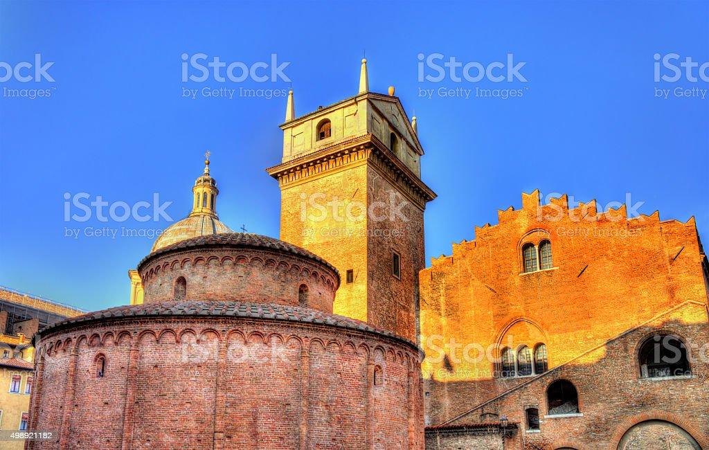 Rotonda di San Lorenzo and Palazzo della Ragione in Mantua stock photo