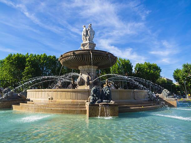 fontaine de la rotunda - aix en provence photos et images de collection