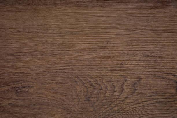 grobe dunkle holzstruktur - walnussholz stock-fotos und bilder