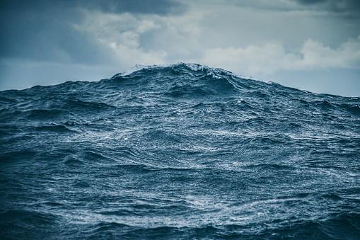 Rough ocean details: sea waves pattern