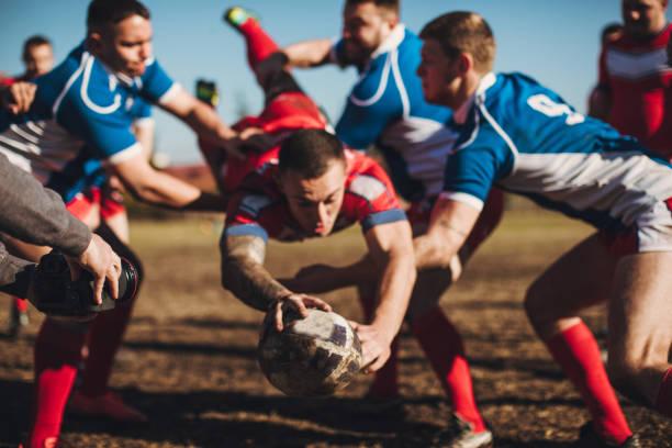 grobe rugby-spiel - rugby stock-fotos und bilder