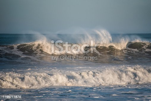 Breaking waves under rough sea conditions