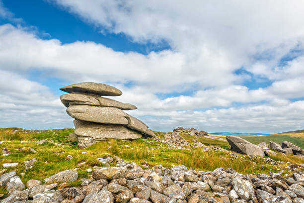 rough tor in bodmin moor - outcrop stock pictures, royalty-free photos & images