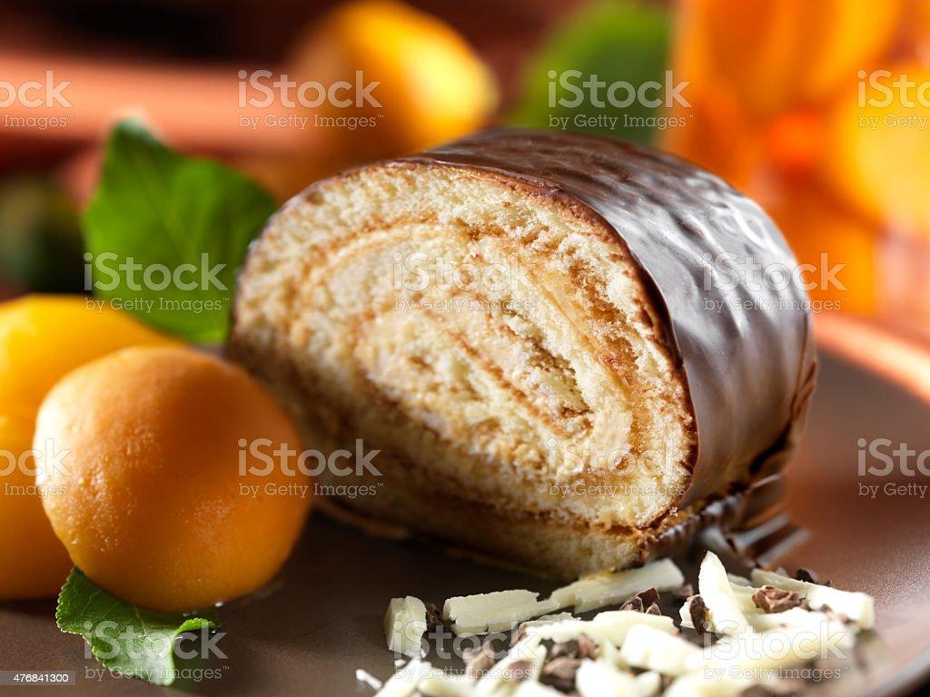 Roulade Kuchen Mit Aprikosenmarmelade Fullung Stock Fotografie Und