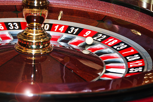 [Image: roulette-in-the-casino-ball-in-roulette-...KUdQT_oq4=]