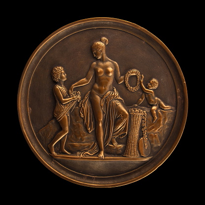 868668668 istock photo round bronze painting of a nude woman 868666262