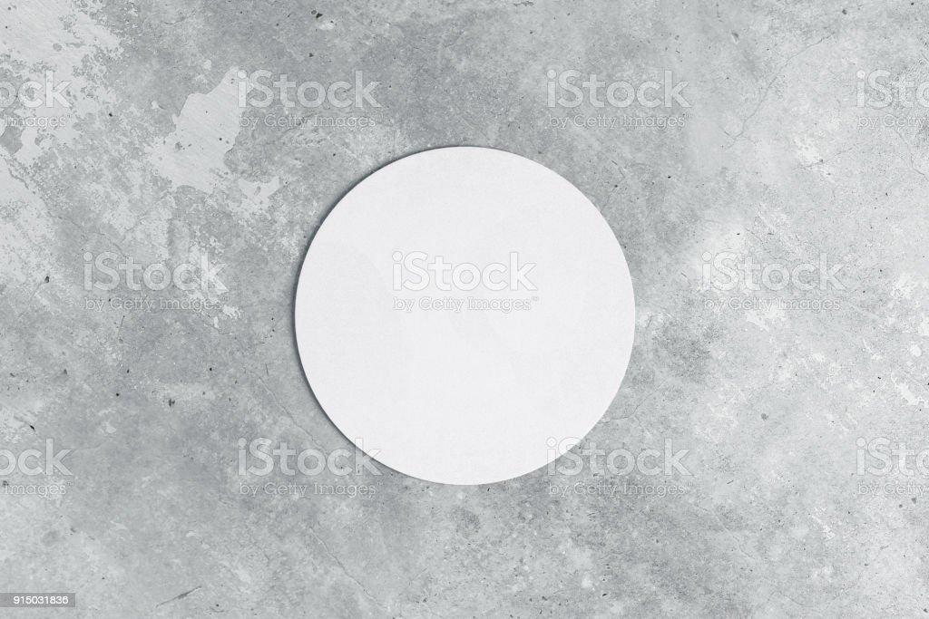 Runde Untersetzer auf konkrete Hintergrund – Foto