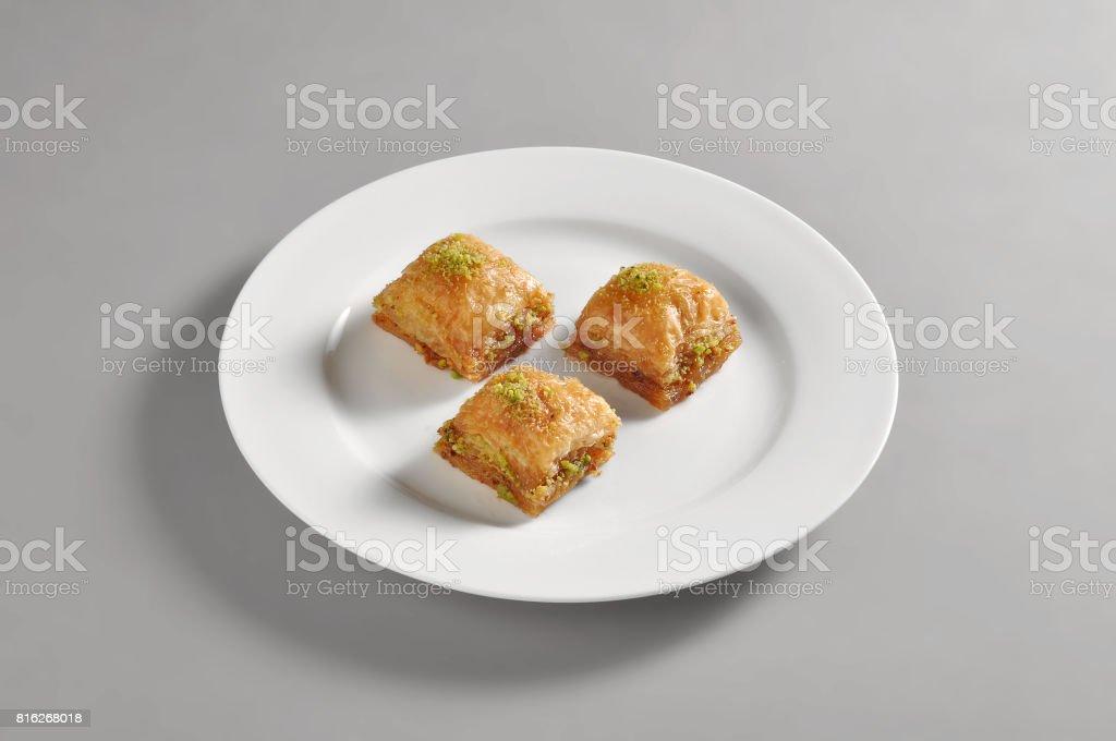 Plat rond avec baclava turque - Photo