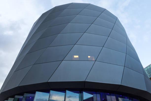 Round Modern building – zdjęcie