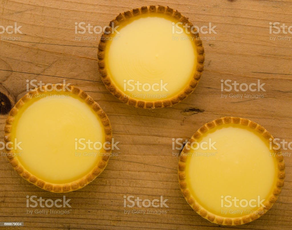 round vanilla tart stock photo