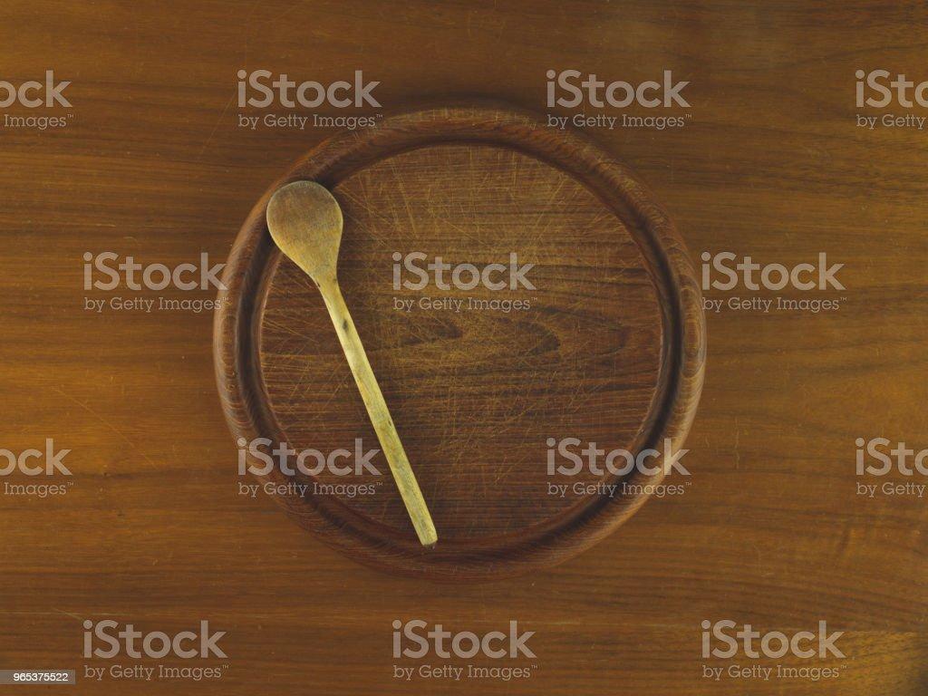 木勺圓木切板 - 免版稅俯視圖庫照片