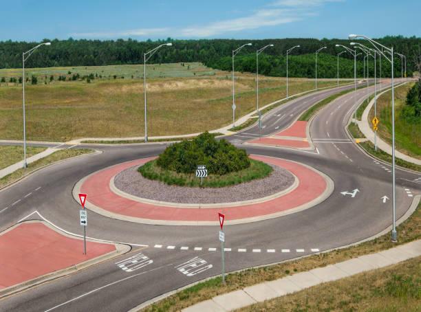 rond-point - rond point carrefour photos et images de collection