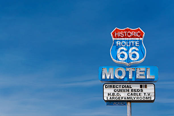 motel route 66 - route 66 stock-fotos und bilder