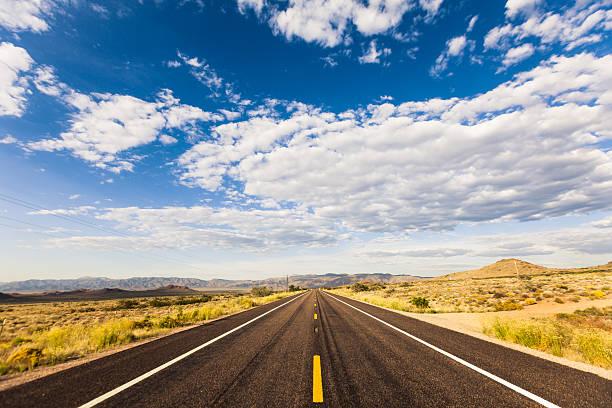 Route 66 an einem sonnigen Tag – Foto
