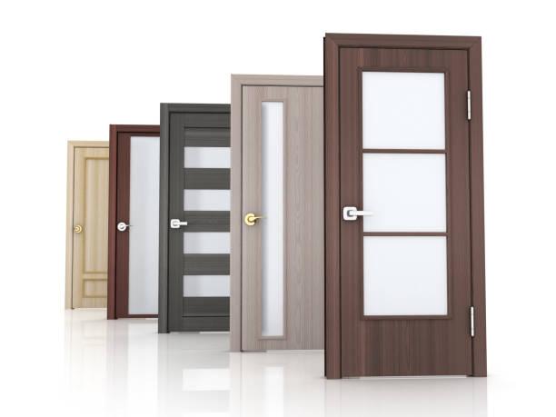 Zeile 5 Türen auf weißem Hintergrund – Foto