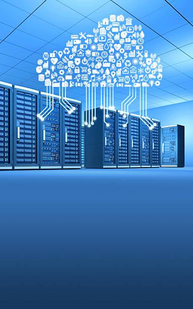 Reihe von computer-Server in Verbindung mit cloud-computing, vertikal – Foto