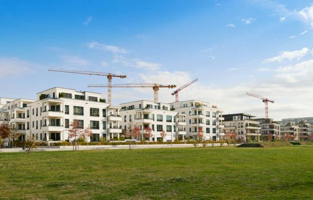 Reihe von neuen Wohnhäusern / Baustelle – Foto