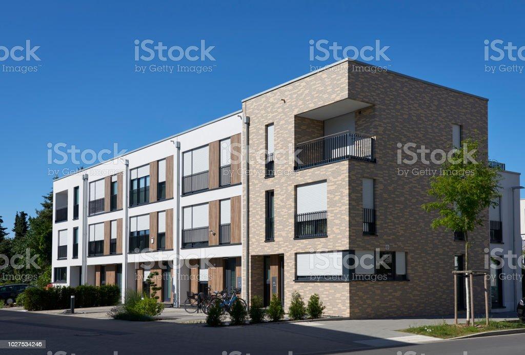 Zeile der neue Wohnung Häuser – Foto