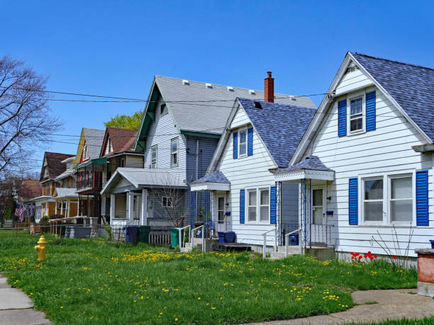 row of small American clapboard houses row of small American clapboard houses with gables residential district stock pictures, royalty-free photos & images