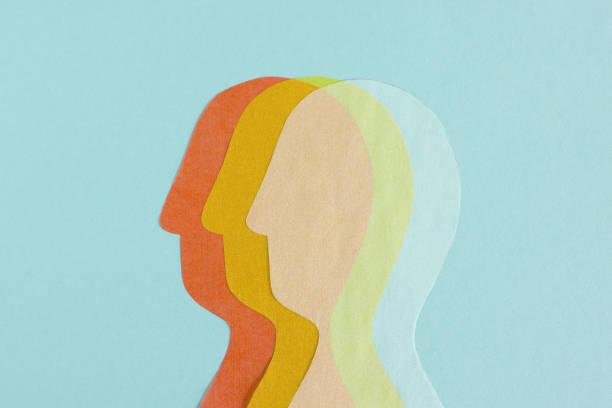 3つの透明なヘッドの行 - 精神衛生 ストックフォトと画像