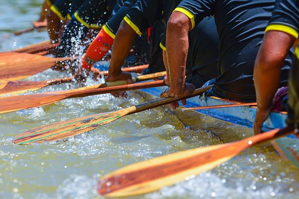 équipe d'aviron de la course - équipe sportive photos et images de collection