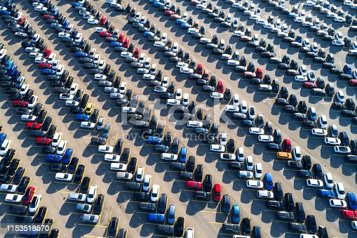 652712094 istock photo Rows of cars from above 1153518570