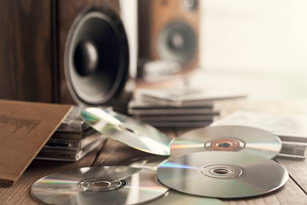 Rows of music cds with speakers – Foto