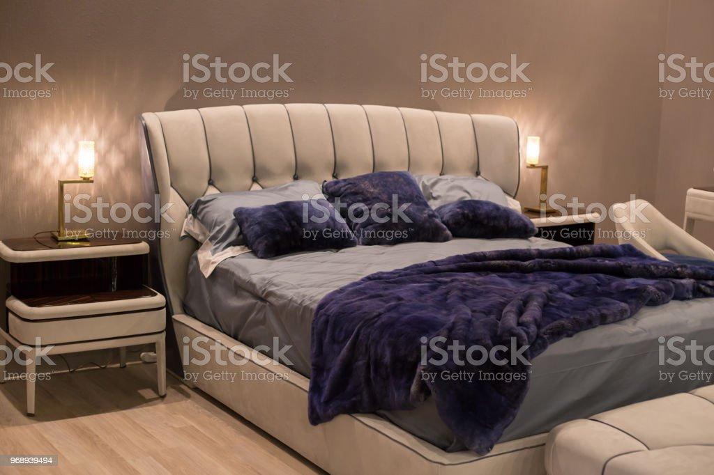 Royal Luxus Dunklen Schlafzimmer Mit Teuren Möbeln Und ...