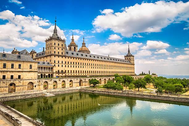 Royal monasterio de San Lorenzo de El Escorial, Madrid, España - foto de stock
