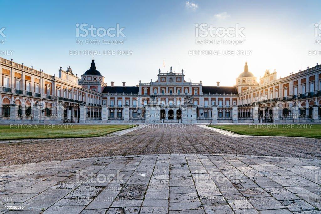 Palacio Real de Aranjuez al amanecer. Larga exposición - foto de stock
