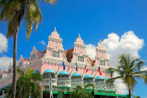 royal plaza, oranjestad, aruba - aruba stockfoto's en -beelden