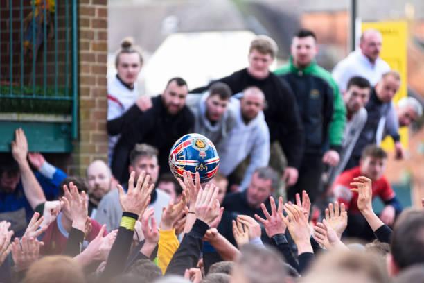 Royal Shrovetide Street Football Aschermittwoch. – Foto