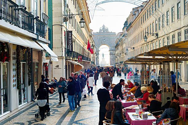 rua augusta quadrado, lisboa - people lisbon imagens e fotografias de stock