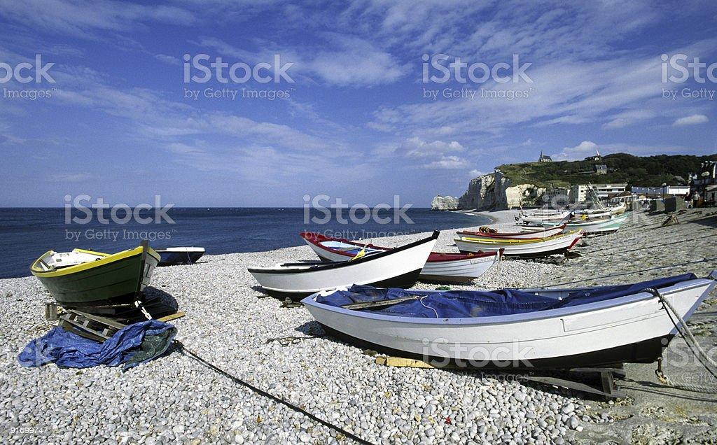 Ruderboote Am Strand Von Etretat Normandiefrankreich Stock Photo Download Image Now Istock