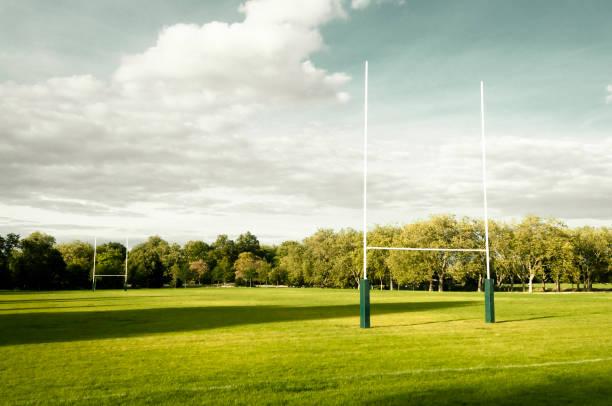postes de rugby objetivo - rugby fotografías e imágenes de stock