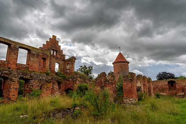 ruin of a castle ruin of a castle in Masuria, eastern Poland abridgment stock pictures, royalty-free photos & images