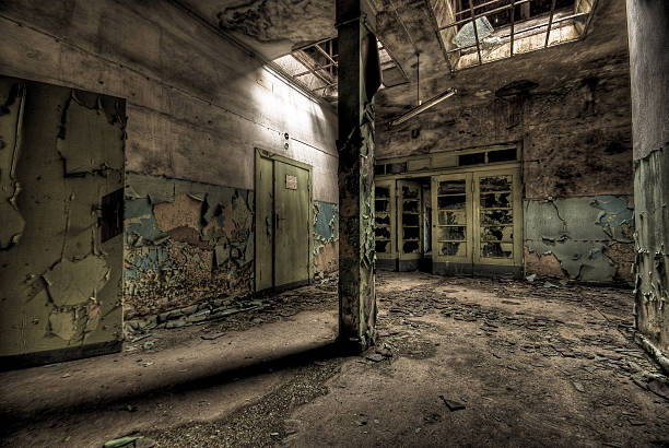 Ruine Old and dirty hospital in HDR. ruine stock pictures, royalty-free photos & images