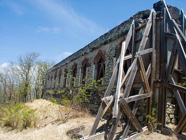 Ruine de fort Ruine de fort ,aux saintes ,guadeloupe, Caraïbe ruine stock pictures, royalty-free photos & images
